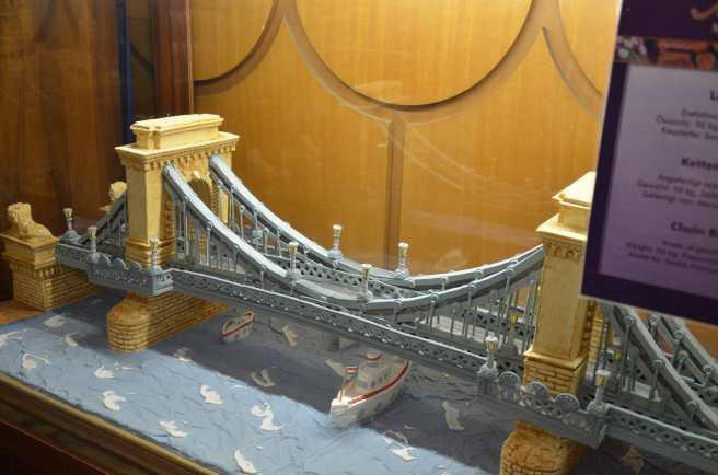 Podul cu Lanțuri