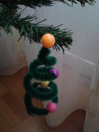 Ornament brad