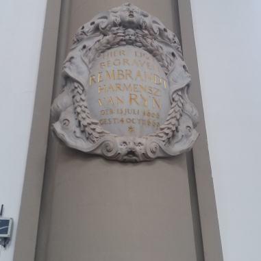 Placă comemorativă