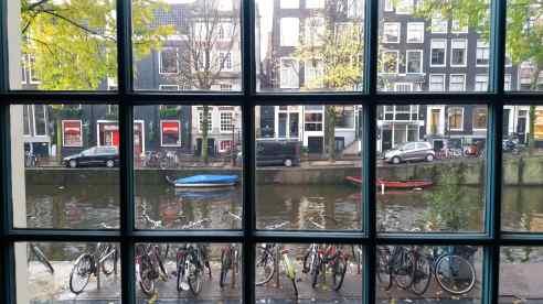 Priveliște spre canal